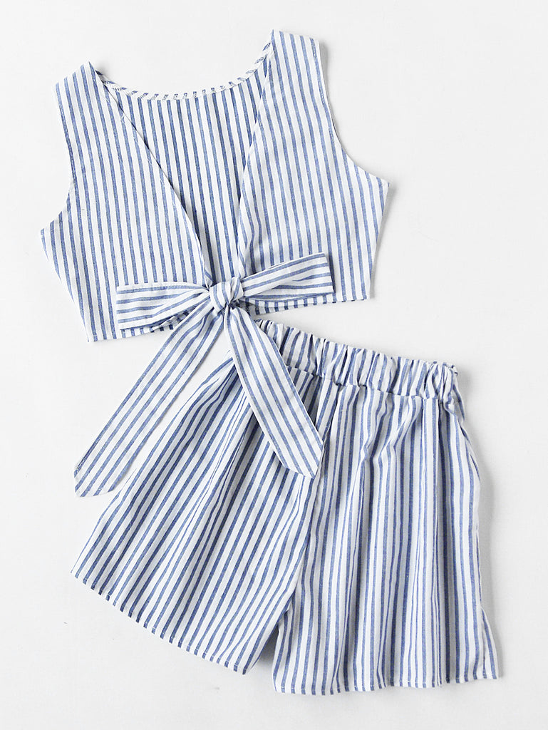 Convertible Vertical Striped Bow Tie Crop Top With Shorts (2)
