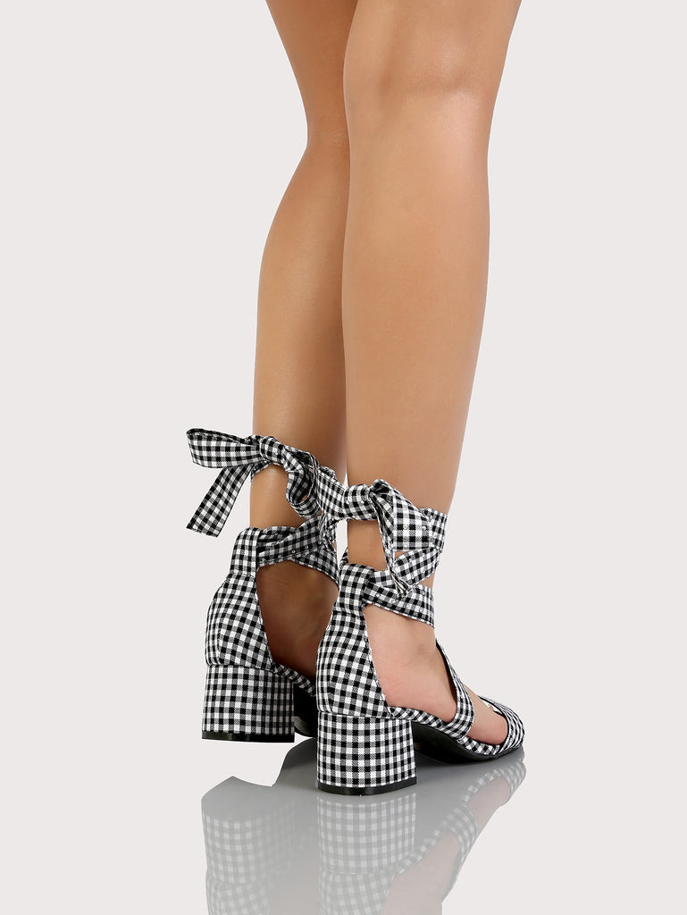 Gingham Ankle Wrap Short Block Heel with One Band BLACK WHITE (3)