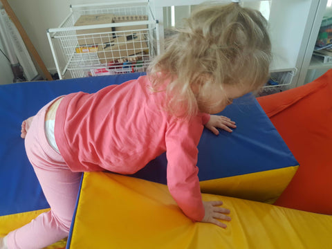 make crawling fun early learning