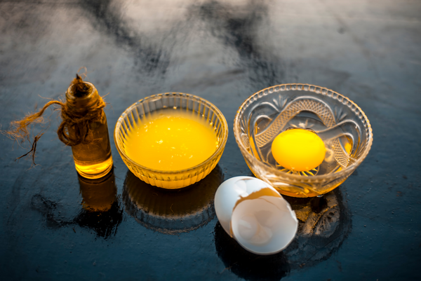 Egg yolks contain biotin
