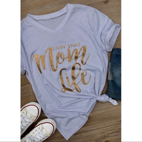 👩‍👧Livin that Mom life tee shirt 👚