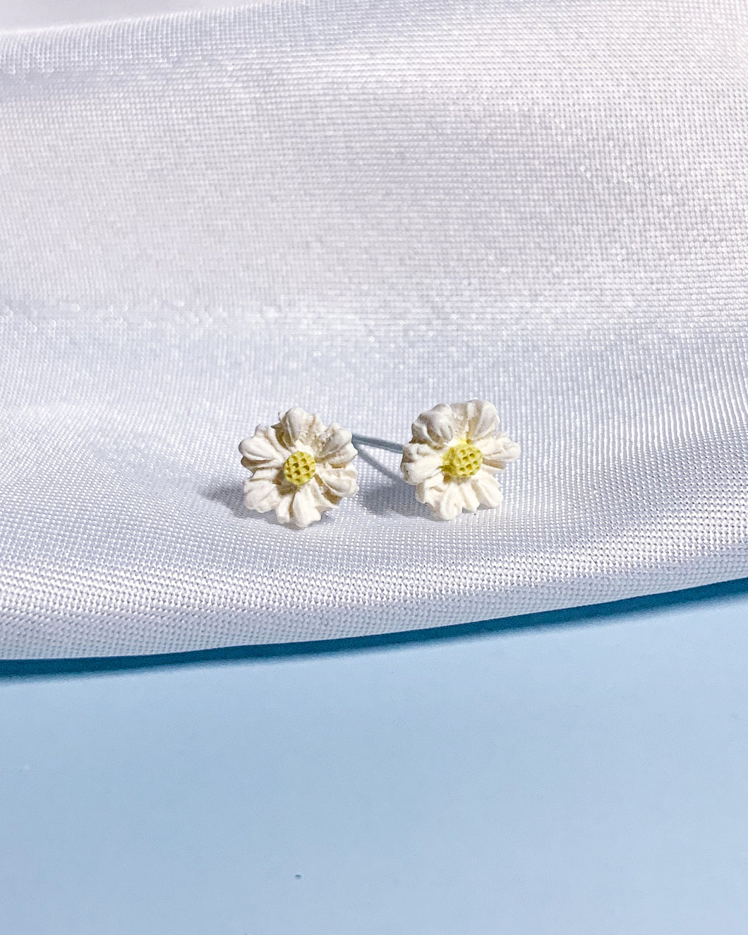 Daisy Dream - #1 Mini Studs