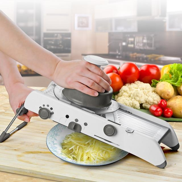 Slicer With Built-In Blades