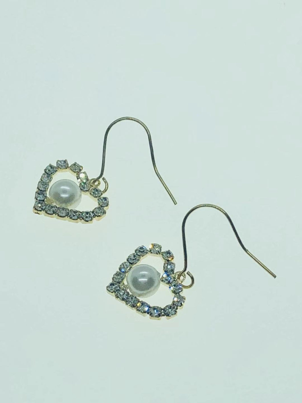 22-JM-JA05038, HEART PENDANT FAUX PEARL EARRING ($15.60 for 12)