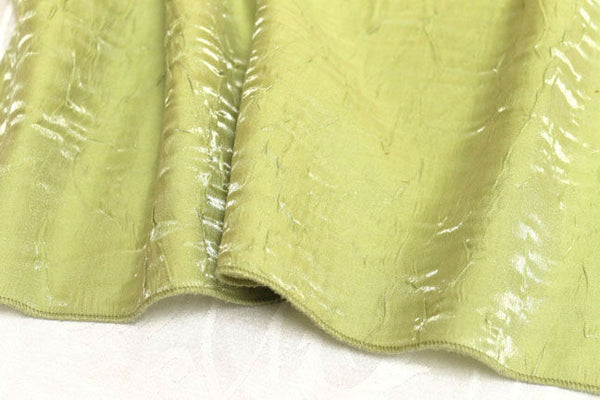 Iridescent Crush Table Linen - Celery