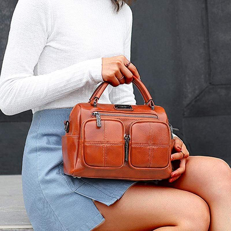 Obangbag Women's Vintage Leather Large Capacity Messenger Bag / Handbag