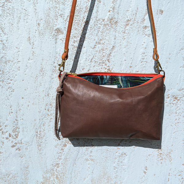 Midi Em - Brown Leather