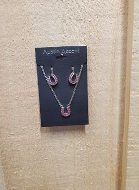 Horse Shoe Jewelry Set by Austin Accents