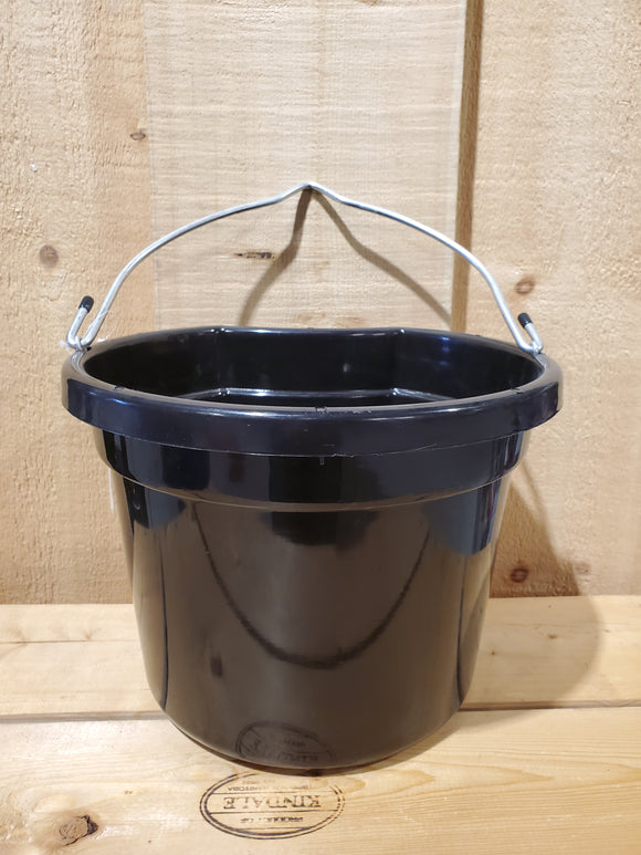 8 Quart Flat Back Bucket by Silverline®