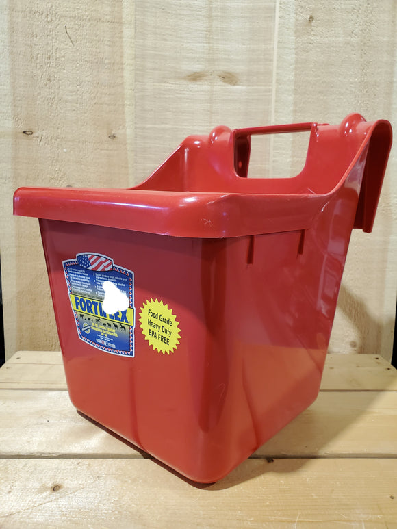 15 Liter Fence Feeder Bucket by Fortiflex®