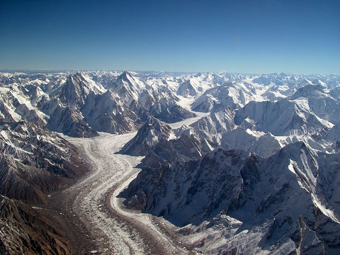 ic:Baltoro Glacier and the Karakorum highway, the only road in and out of the mountains.  Picture by Guilhem Vellut