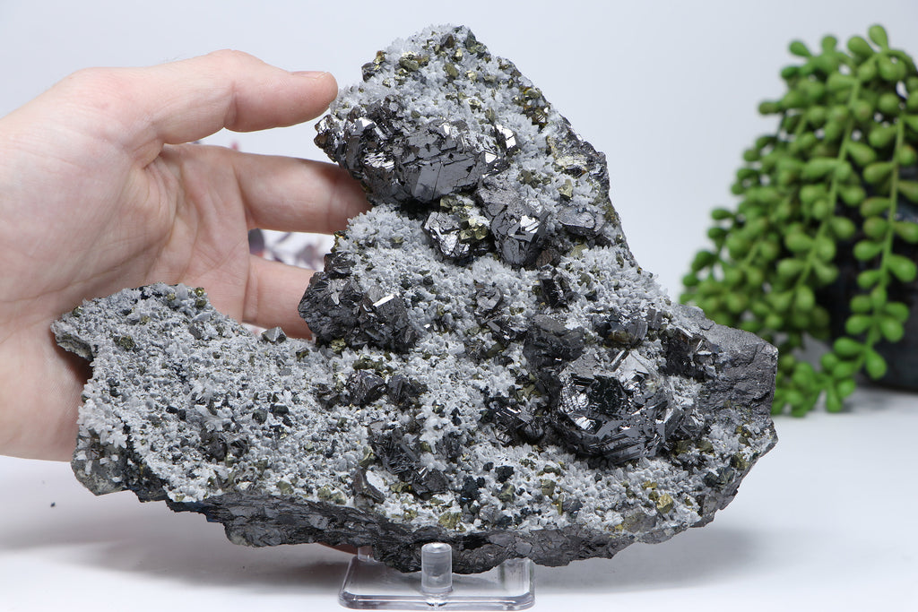 Pyrite and quartz on Sphalerite from 9th of September Mine DC462
