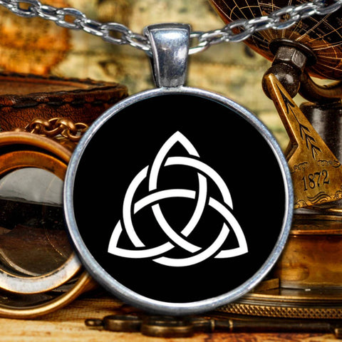 Image of Triquetra Knot Celtic Pendant Necklace, Silver-Plated Pendant-Necklace Moods of Ireland