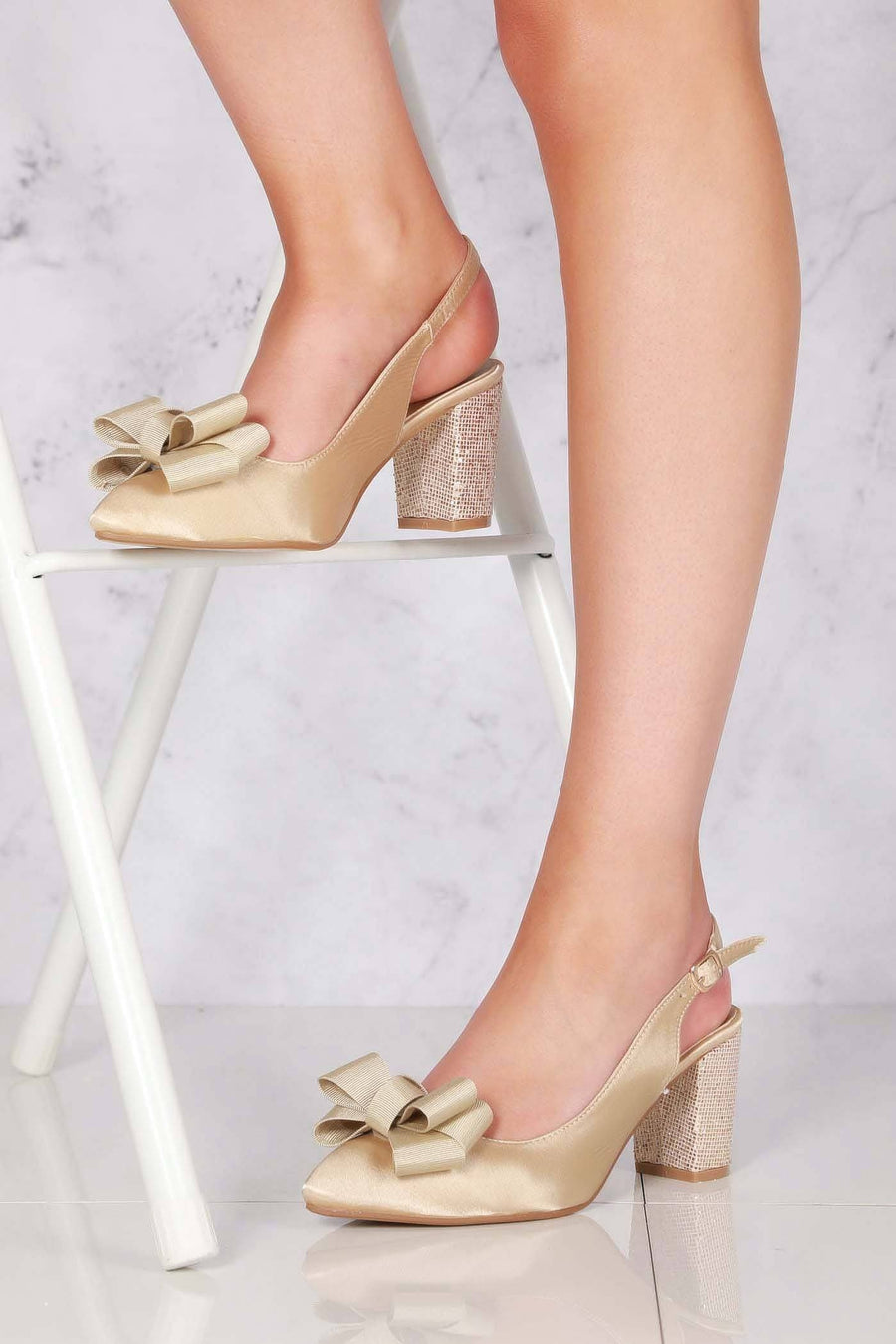 Kirra slingback with bow trim court
