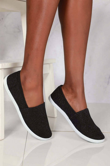 Tizzy Flat Slip On Textil Pump in Black