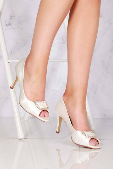 Layla high heel open toe satin broach in Ivory