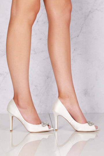 Shea shea diamante broach peep toe sandal in Ivory Satin