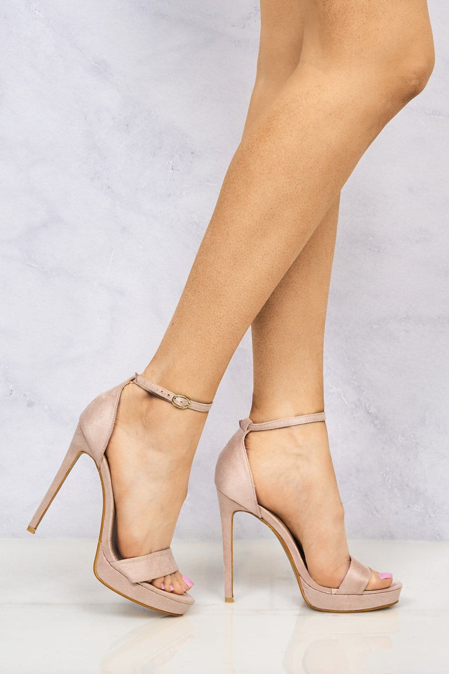 Barely There Platform Sandal in Blush