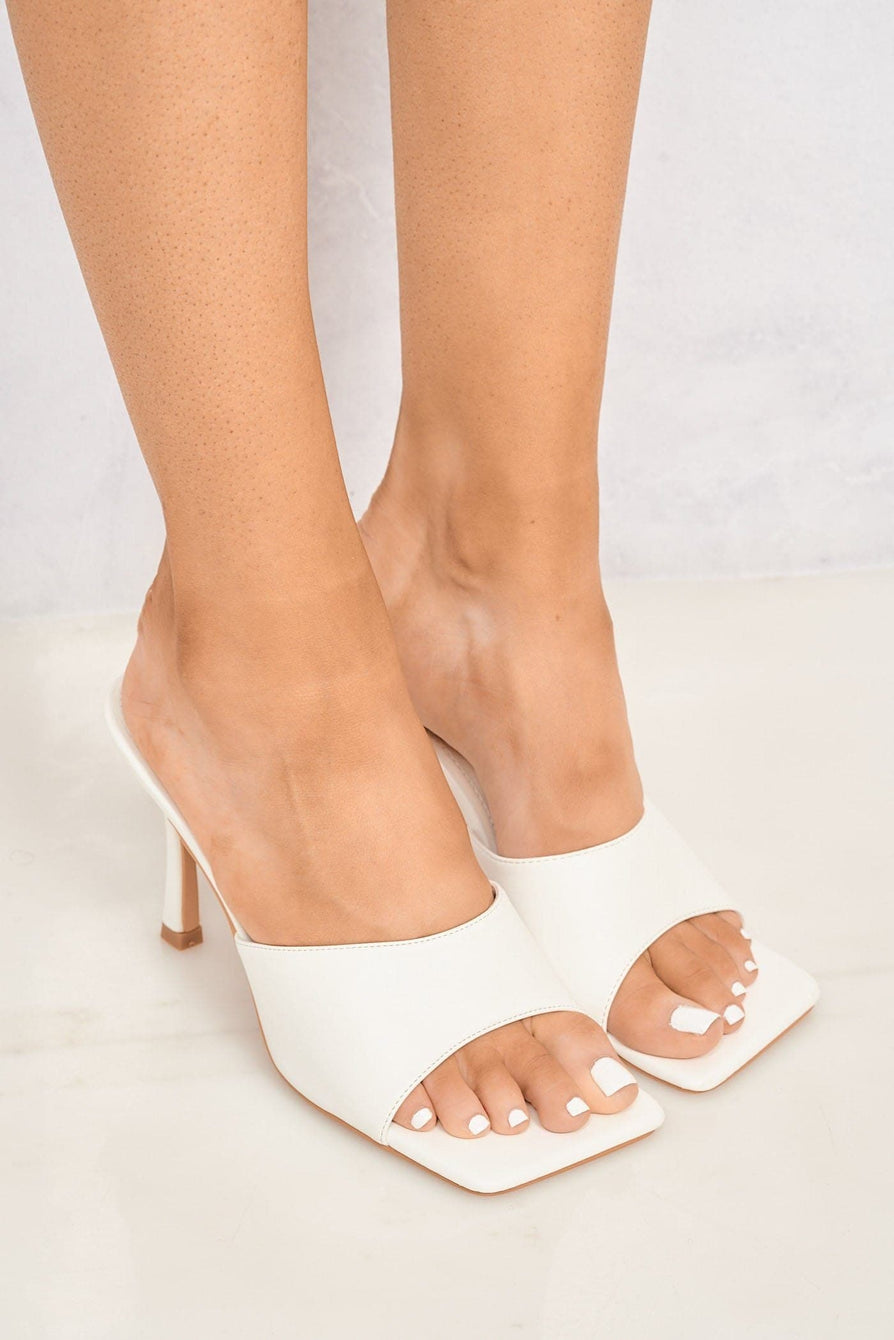 Nero Square Toe Plain Band Mule in White
