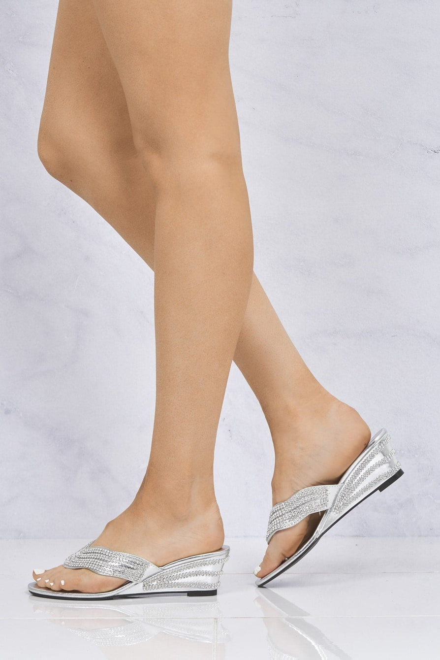 Isabella Diamante Toe Post Mule in Silver