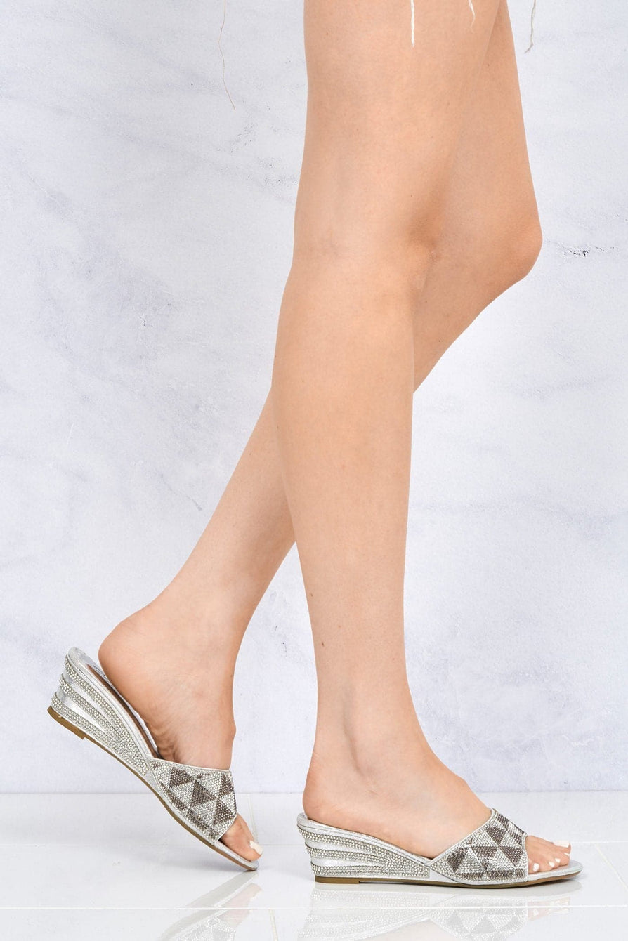 Wamindy Slip On Dia Tri Pattern Wedge in Silver Clearance Miss Diva Silver 2