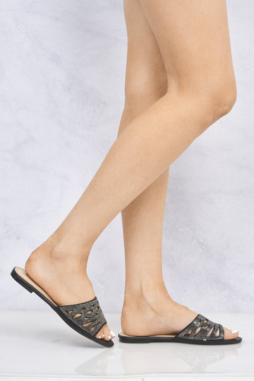 Yazie Twist Diamante Pattern Flat Slider in Black