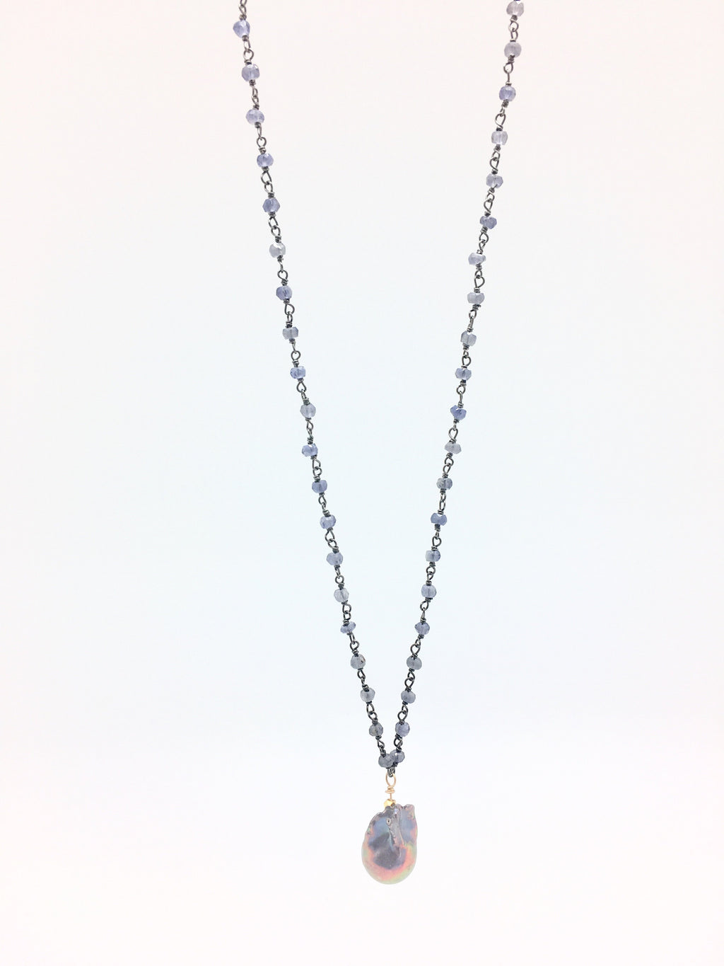 Diddi Long - Iolite / Grey Baroque Pearl