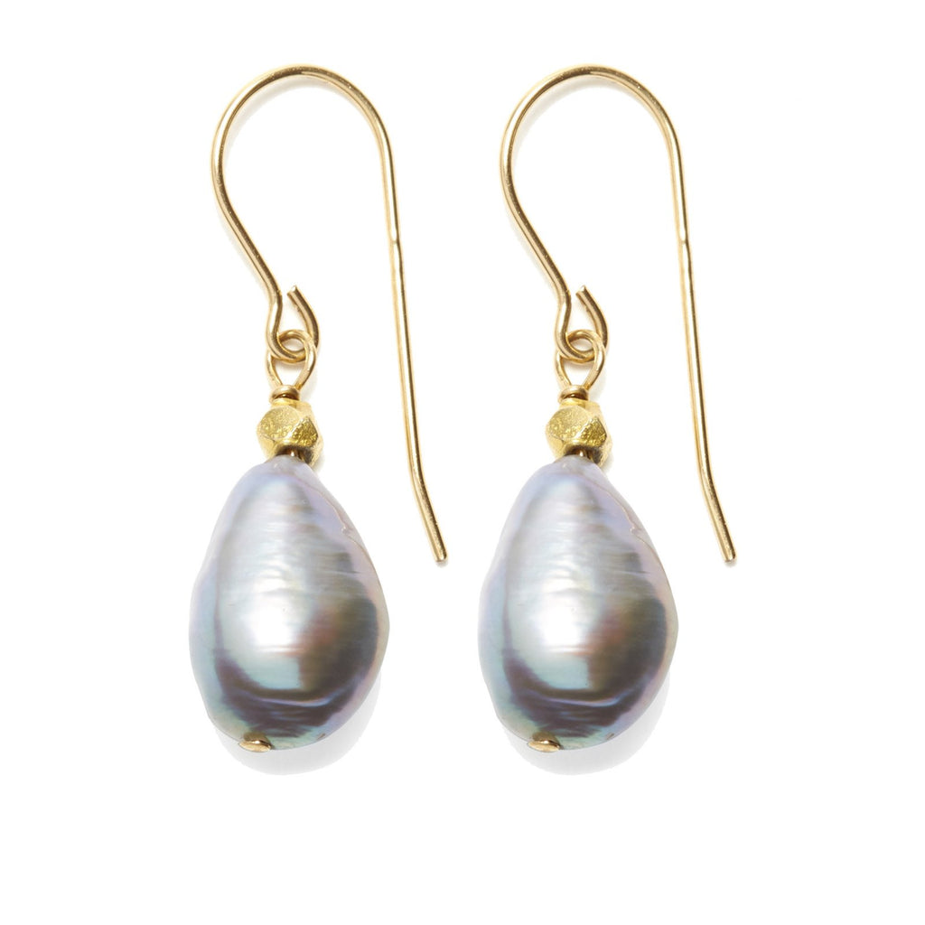 Sofie Earring, Gold / Grey Pearl