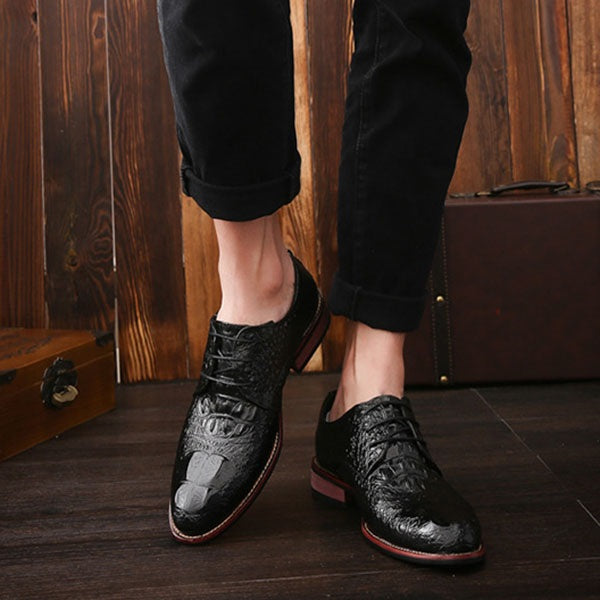 Embossed Leather Low-Cut Upper PU Pointed Toe Leather Shoes