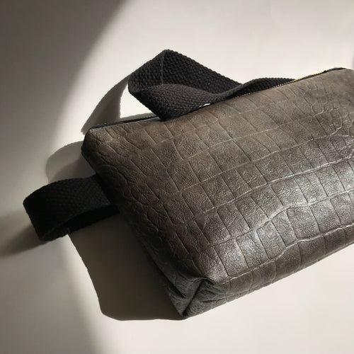 MAX BELT BAG- VEGAN DUMBO GREY