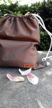 NYLON SLING BACK PACK / COCOA