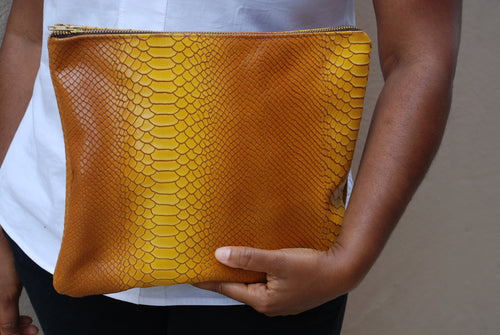 KELLEY CLUTCH / HONEYCOMB OMBRE