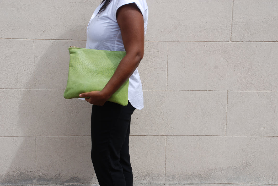 KELLEY CLUTCH / APPLE GREEN CROC