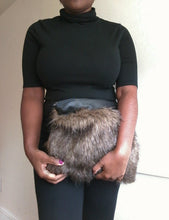 BROWN MIXED FAUX FUR / LEATHER CLUTCH