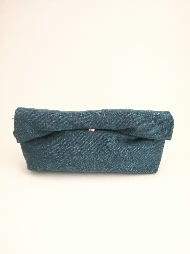 DENIM ROLL CLUTCH