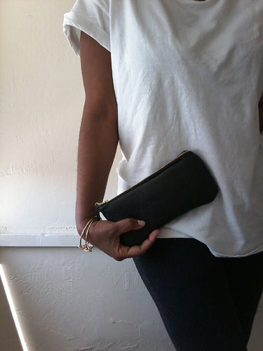 BLACK SIMPLE. SLIM LEATHER WALLET/CLUTCH
