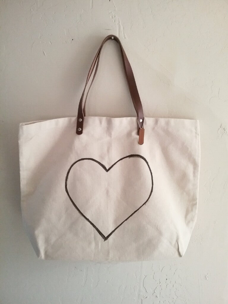 ADORE CANVAS TOTE / OPEN HEART