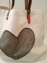 ADORE CANVAS TOTE / FULL HEART