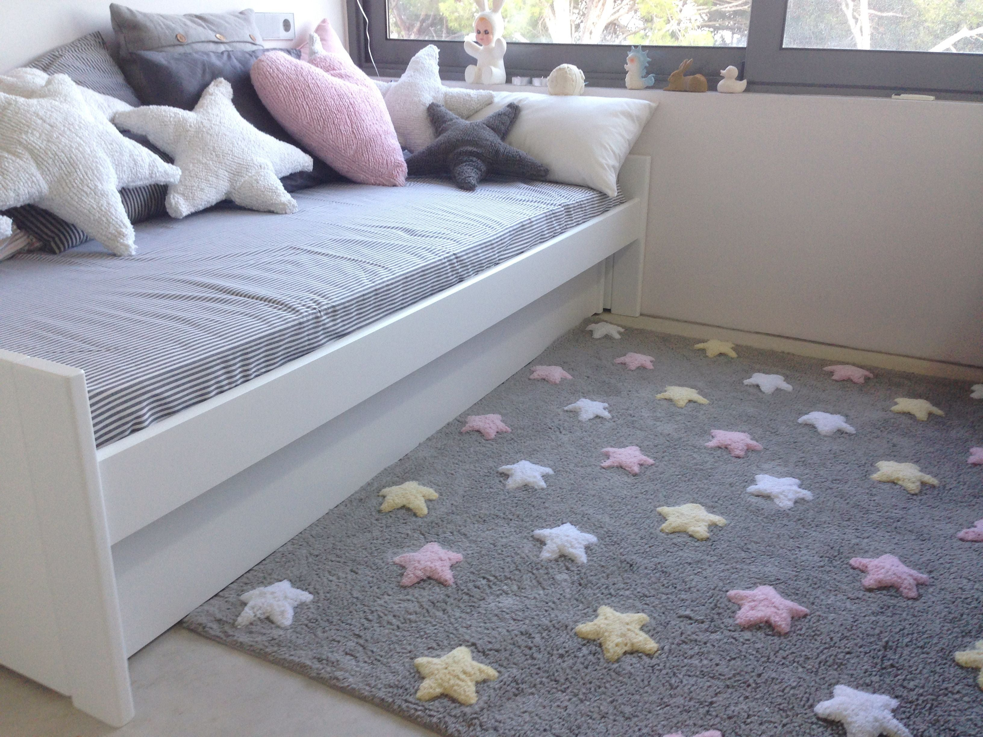 Tricolor Stars Rug in Grey & Pink design by Lorena Canals