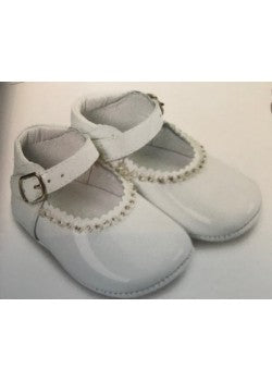 White or Pink  patent girls soft shoe. Gabrela 1174