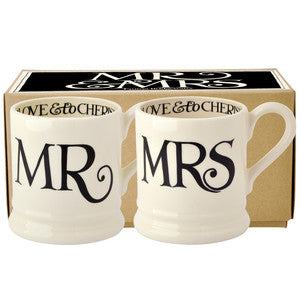 Black Toast Mr & Mrs 2x 1/2 Pint Mugs Boxed