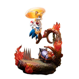 Official F4F Sonic and Tails Diorama