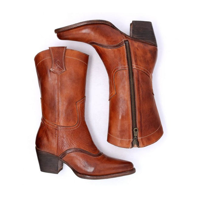 Woman Boots Breathable Middle Height Leather
