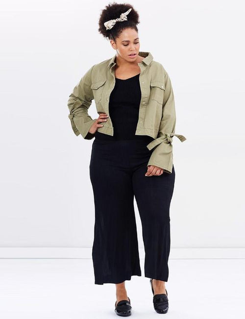 Plus Size Turn-down Collar Pockets Short Outwears