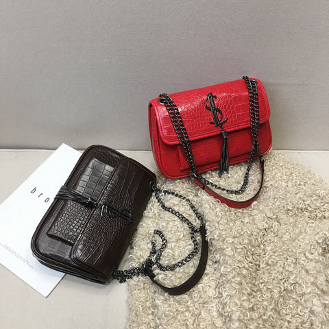 Fashion Red Lipstick Cross Body Bag