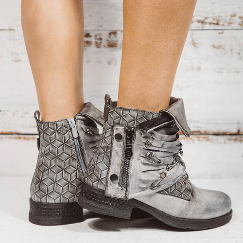 Turned-over Metal Pin Decoration Fringe Boots