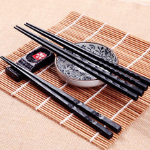 Sale 1Pair Hot High Quality Portable Sushi Chop Sticks Chinese Chopstick Learner Gifts Set Exquisite Non-Slip Kitchen Accessorie