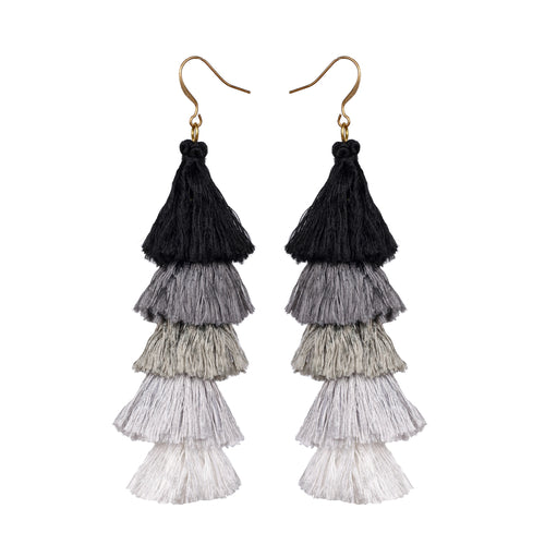 Black tassels earrings JE017