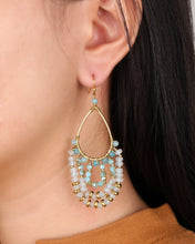 Load image into Gallery viewer, Blue Chandelier earrings JE007