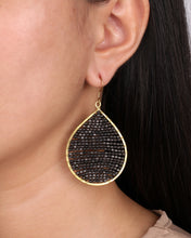 Load image into Gallery viewer, Black Matte Beaded Drop Earring JE056